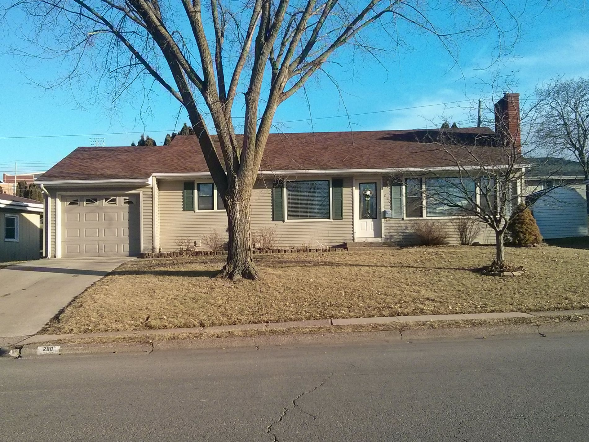 Dubuque Home, IA Real Estate Listing