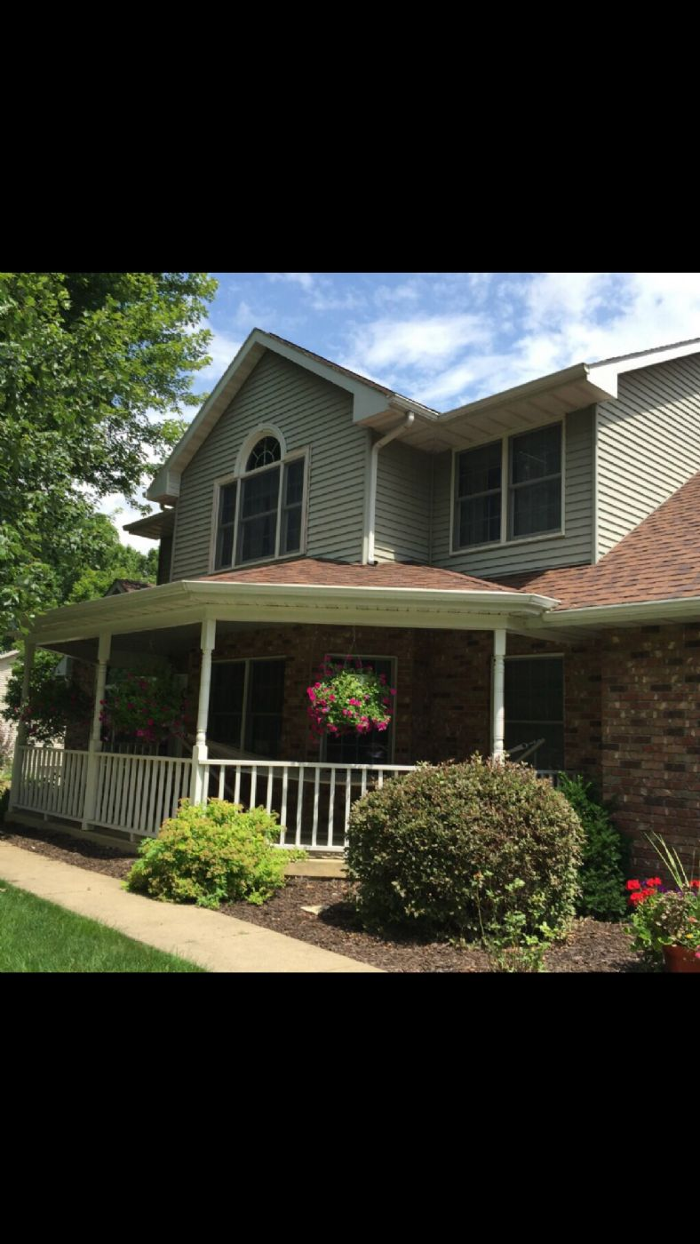 East Dubuque Home, IL Real Estate Listing